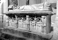 Ancienne cathédrale Notre-Dame - Tombeau d'Hugues de Chatillon