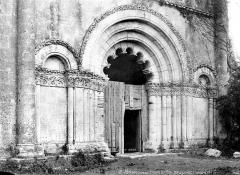 Eglise de Châtres - Portail de la façade ouest