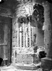 Basilique Saint-Denis - Portail de la façade sud : ébrasement droit