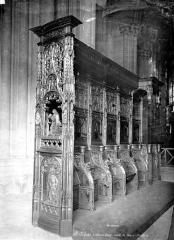 Basilique Saint-Denis - Stalles du choeur et chaire