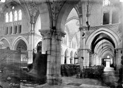 Eglise Saint-Denys-de-l'Estrée - Vue intérieure de la nef et du bas-côté nord, vers le sud-ouest