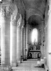 Eglise Saint-Genou (ancienne abbatiale) £ - Vue intérieure du bas-côté sud, vers l'est