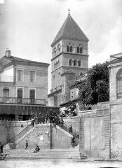 Eglise collégiale Saint-Pierre et Saint-Gaudens - Clocher, côté sud-est