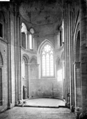 Restes du prieuré de Saint-Gabriel, puis Centre d'apprentissage horticole - Vue intérieure du choeur