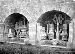 Domaine national de Saint-Germain-en-Laye, actuellement Musée des Antiquités Nationales - Chapelle : dépôt lapidaire