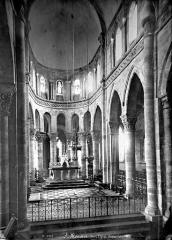 Eglise Saint-Menoux - Vue intérieure du choeur