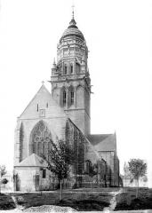 Eglise et sa place - Ensemble nord-est