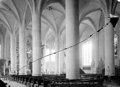Eglise Saint-Etienne - Vue intérieure de la nef et du bas-côté sud