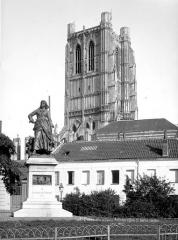Ancienne abbaye de Saint-Bertin - Clocher, côté nord