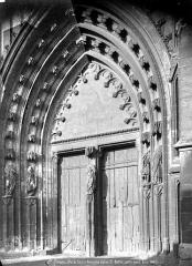 Ancienne abbaye de Saint-Bertin - Portail de la façade ouest