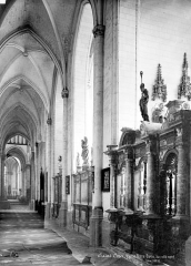 Collégiale, puis cathédrale Notre-Dame, actuellement église paroissiale Notre-Dame - Vue intérieure du bas-côté nord, vers l'est