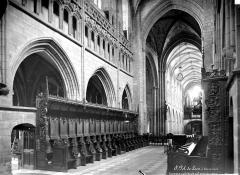 Ancienne cathédrale Saint-Paul-Aurélien - Vue intérieure de la nef, vers le sud-ouest