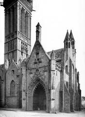 Eglise Notre-Dame du Creisker ou Kreisker - Angle nord-ouest