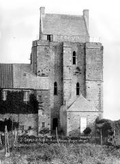 Ruines du château - Donjon, côté sud