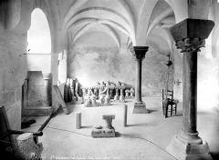 Eglise Saint-Savin - Salle capitulaire : vue intérieure