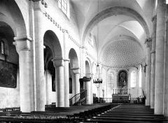 Petite église attenant à la cathédrale (Eglise Notre-Dame) - Vue intérieure de la nef, vers le nord-est
