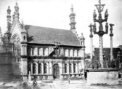 Eglise Notre-Dame - Ossuaire et calvaire