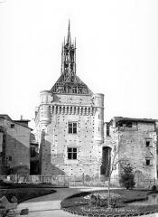 Hôtel de ville appelé Le Capitole - Façade