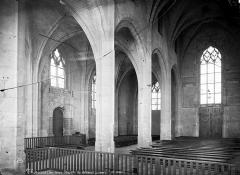 Château des Ducs de la Trémoïlle - Chapelle : Vue intérieure de la nef, vers le sud-ouest