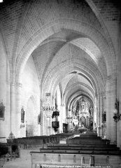 Eglise Saint-Médard - Vue intérieure de la nef, vers le nord-est