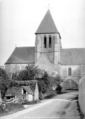 Eglise Saint-Martin£ - Façade nord : transept, abside et clocher