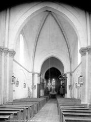 Eglise Saint-Martin£ - Vue intérieure de la nef, vers le choeur