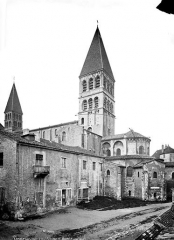 Ancienne abbaye Saint-Philibert - Abside et clocher, côté sud