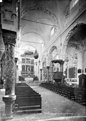 Eglise Saint-Veran - Vue intérieure de la nef, vers le sus-est