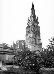 Eglise collégiale Notre-Dame - Angle sud-est : abside et clocher