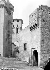 Porte fortifiée - Vue d'ensemble