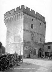 Porte Chaussée (porte et passage entre deux tours) - Vue d'ensemble, côté ville