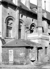 Ancienne abbaye de la Trinité - Maison romane aménagée dans les anciens greniers,façade sur rue