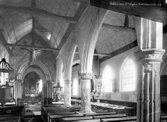 Eglise Saint-Martin - Vue intérieure de la nef, vers le choeur