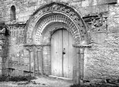 Eglise Saint-Nicolas - Portail de la façade ouest