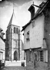 Eglise Notre-Dame - Façade ouest : clocher-porche