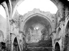 Ancienne église Saint-Grégoire, actuellement entrepôt municipal - Vue intérieure de la nef