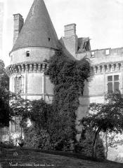 Château - Façade ouest et tour d'angle