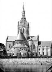 Eglise Notre-Dame d'Avesnière - Ensemble est