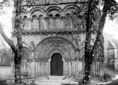 Eglise Saint-Martin - Façade ouest : partie inférieure