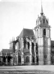 Eglise Notre-Dame-des-Marais - Abside et clocher, côté nord