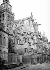 Eglise Saint-Gervais-Saint-Protais - Abside : contreforts