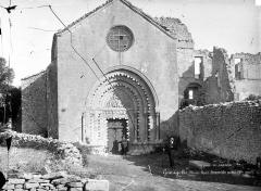 Prieuré - Eglise : façade ouest