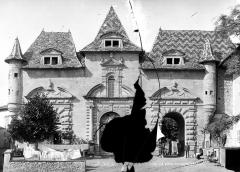 Ancienne abbaye, actuellement hôtel de ville - Façade sud