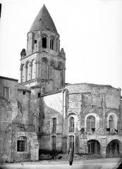 Eglise Sainte-Marie-aux-Dames - Clocher et abside, côté sud-est