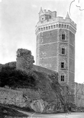 Château - Donjon, côté sud-est