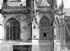 Eglise Notre-Dame-des-Marais - Façade sud : Fenêtres et balustrade