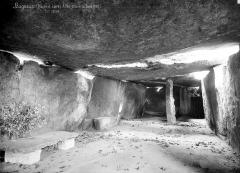 Allée couverte dite la Grande Pierre couverte - Vue intérieure