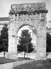 Arc de Campanus - Vue d'ensemble