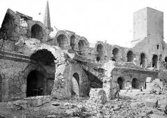 Amphithéatre ou Arènes - Restes des galeries supérieures
