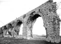 Aqueduc antique (restes de l') - Arcades
